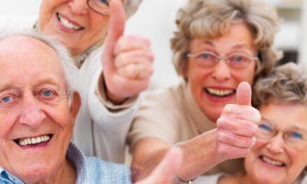Zene és tánc a nyugdíjasklubban