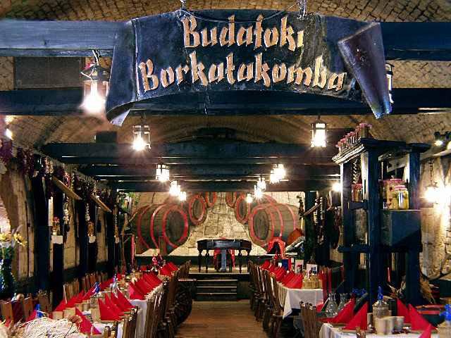 Bezárt a Borkatakomba Étterem