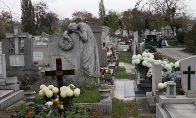 Tovább tartanak nyitva a temetők, a megemlékezések azonban elmaradnak
