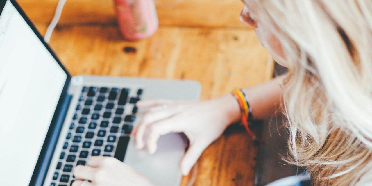 Ingyen internet a digitális oktatásban tanuló középiskolásoknak