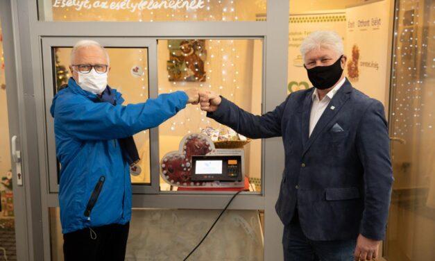Érintkezésmentes Adománypont nyílt a Budafoki Szomszédok Piacán